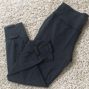 Kate Spade for Beyond Yoga Capri length leggings